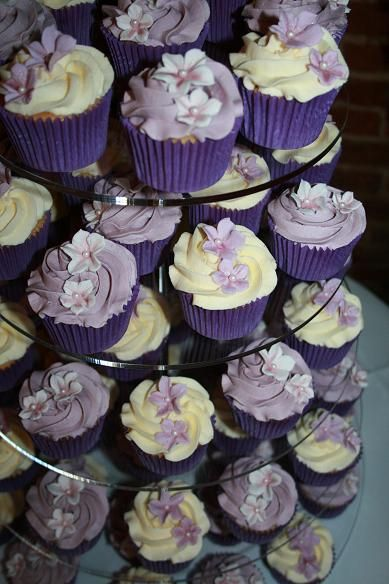 Cupcake Decorating Ideas For Weddings : Cupcakes Cakes Chelmsford Essex - sugarcraft bake school ...