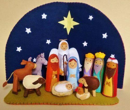 Aprende Cómo Hacer Un Portal De Belén Hecho En Fieltro Pesebre En Fieltro árbol De Fieltro Adornos Navidad Fieltro