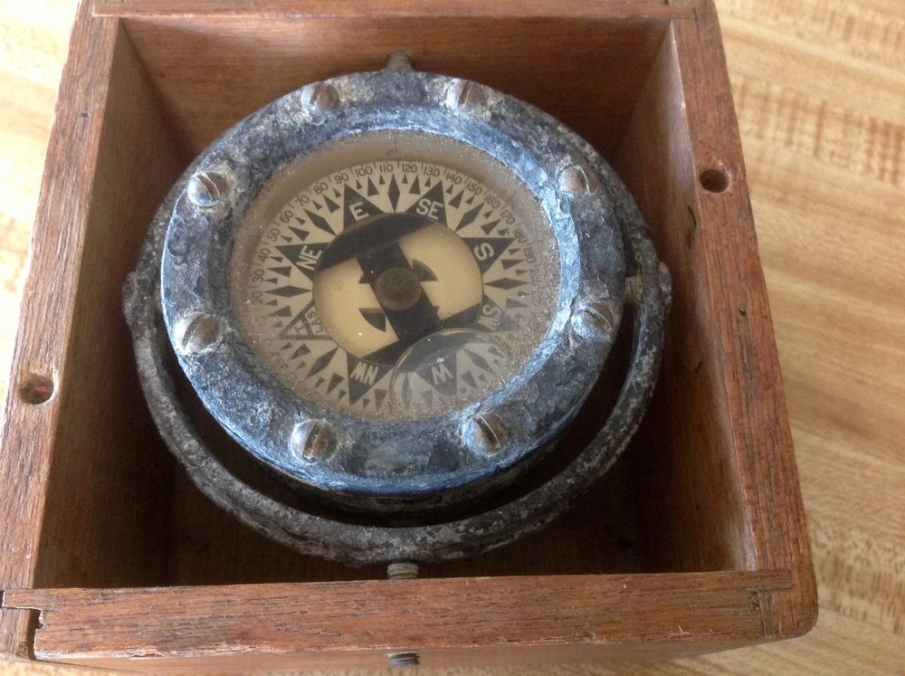 Vintage Compass In Wooden Box Wooden Boxes Vintage Compass Wooden