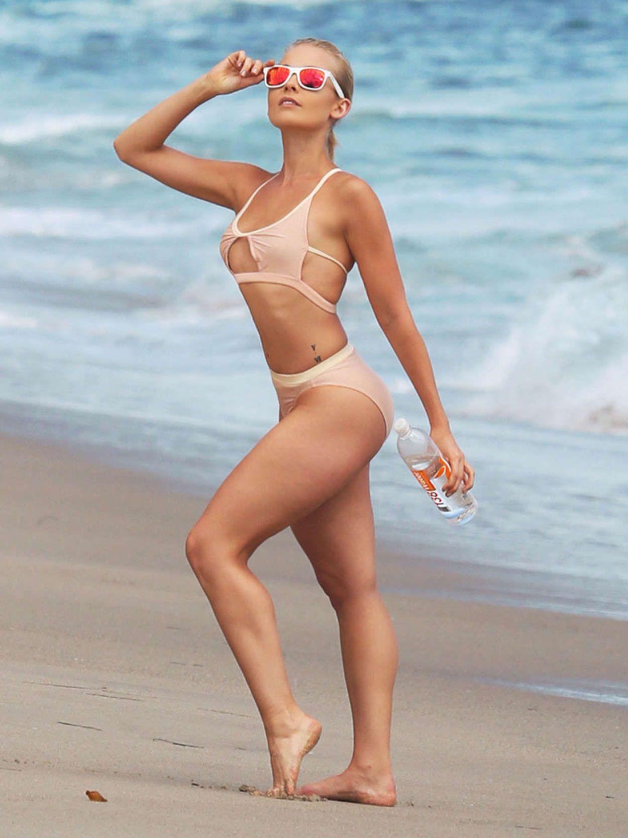 naked Nathalie Fust (13 fotos) Bikini, 2019, in bikini