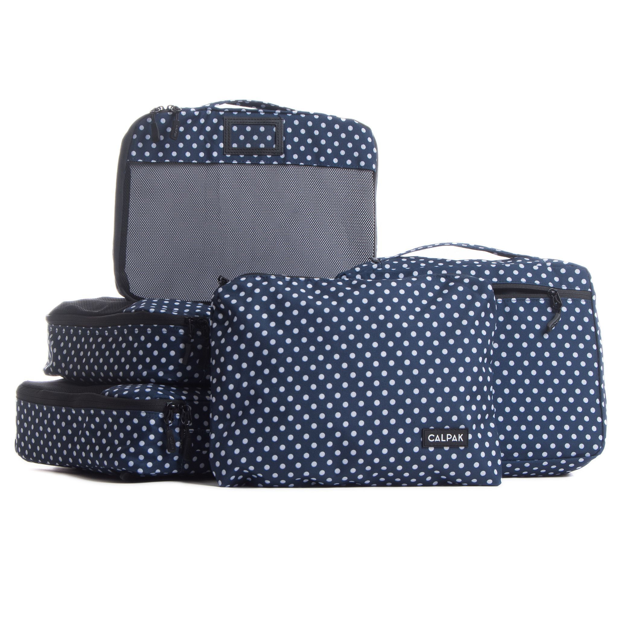 Grab CALPAK's packing cubes for your next getaway! Save space and time and stay organized! Fits perfectly into luggage, drawers, tote bags, gym bags, trunk space and more. F E A T U R E S - Packing cu