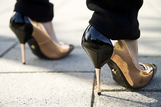 OMG, I can see my face in your shoe babe !! That's amazing !!!