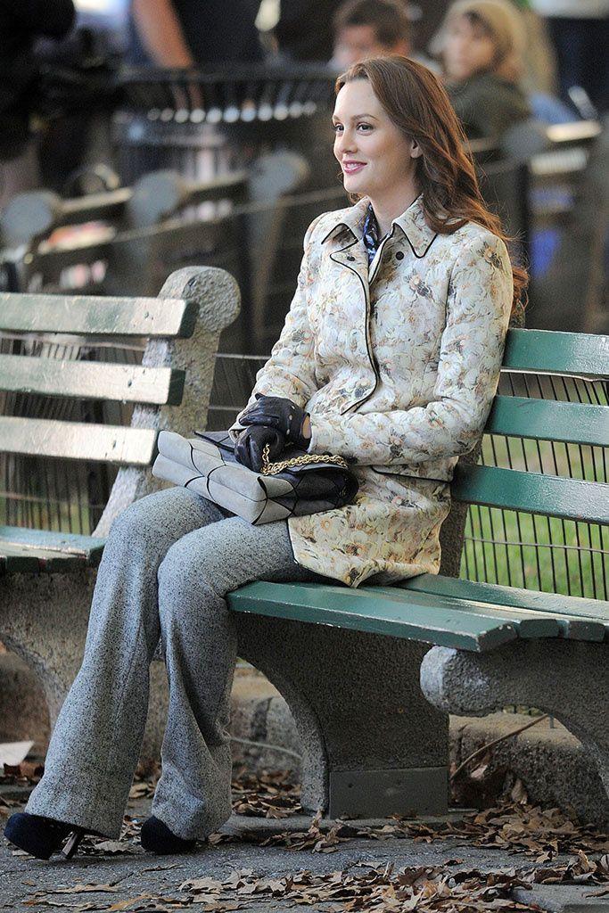 b6939b89a Blair Waldorf  10 Très rare de voir Blair en pantalon .. la veste est so  Annie Hall en dessous  )