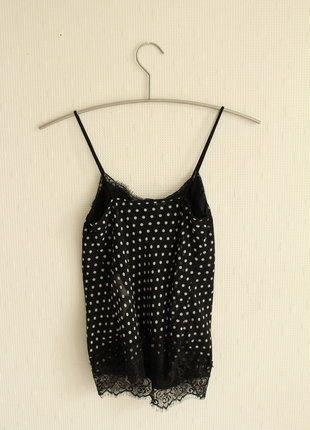 Kaufe meinen Artikel bei #Kleiderkreisel http://www.kleiderkreisel.de/damenmode/kurzarmlig/138692219-spitzentop-in-schwarz-mit-schwarzer-spitze-und-weissen-punkten
