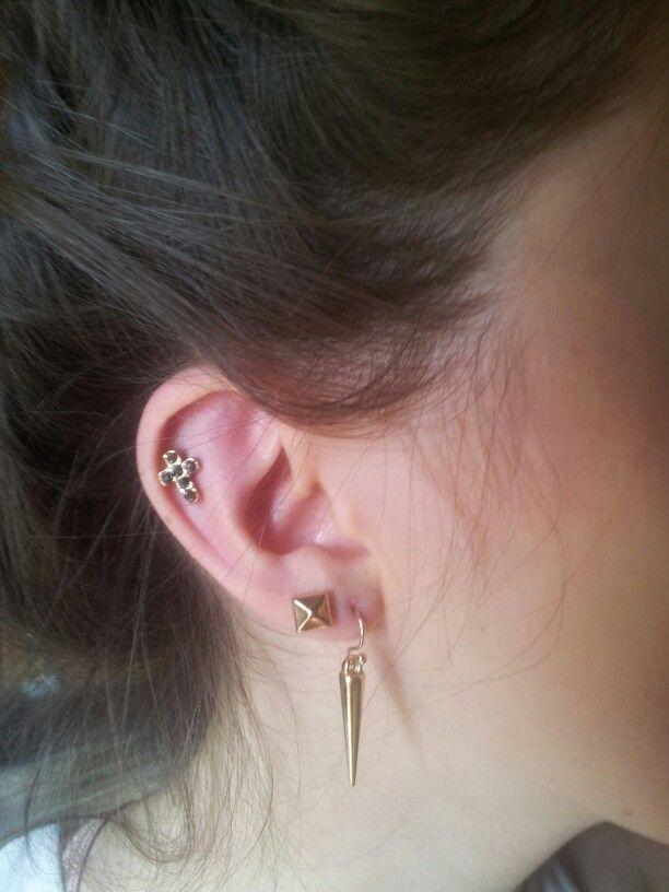 0bfebf863 Stud earrings in 2nd holes with dangly earrings in first | Rockerz ...