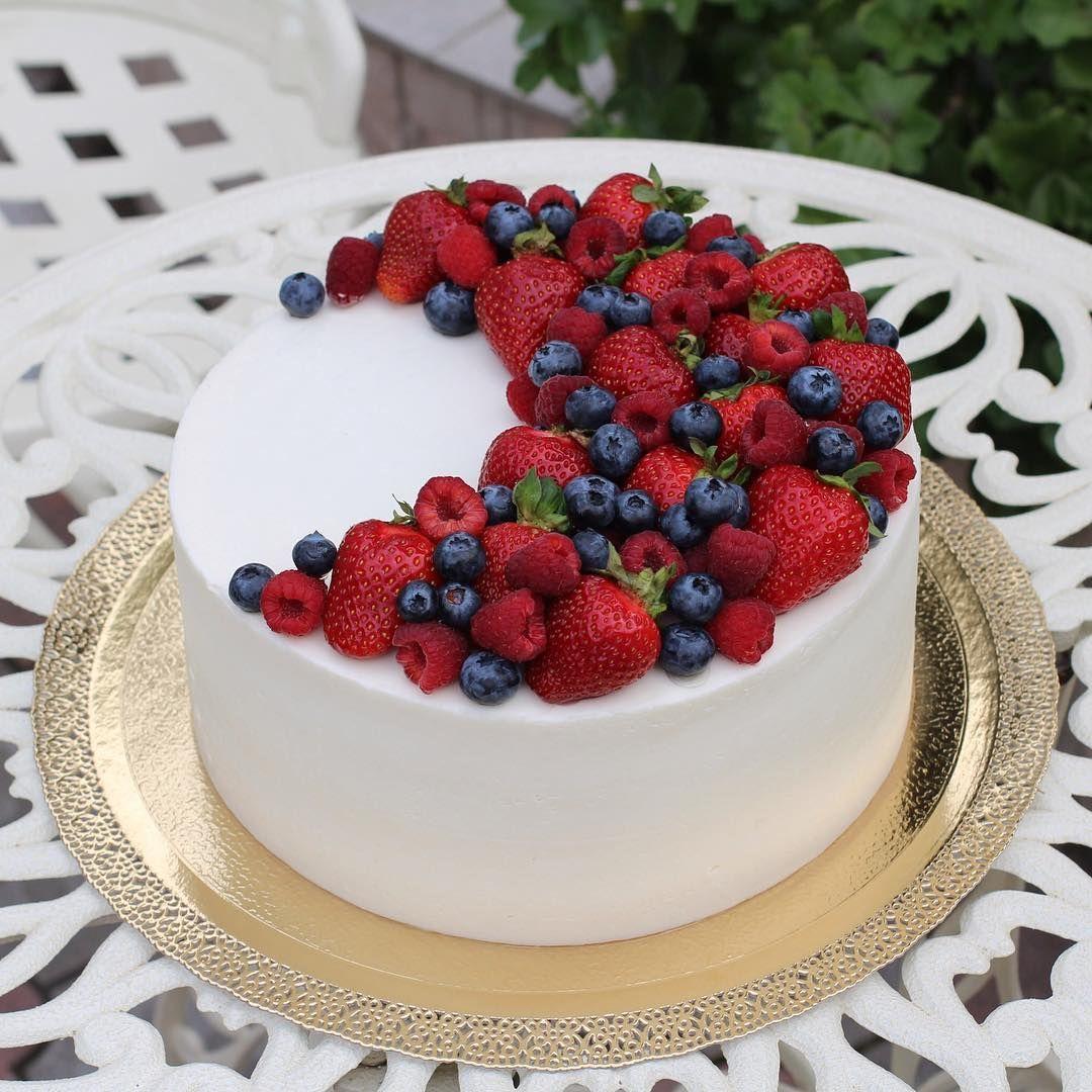 торт с клубникой и голубикой фото приехавшие собственном