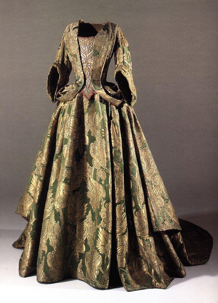 1700 mantua Denmark | Dámy | Pinterest | Barock, historische ...