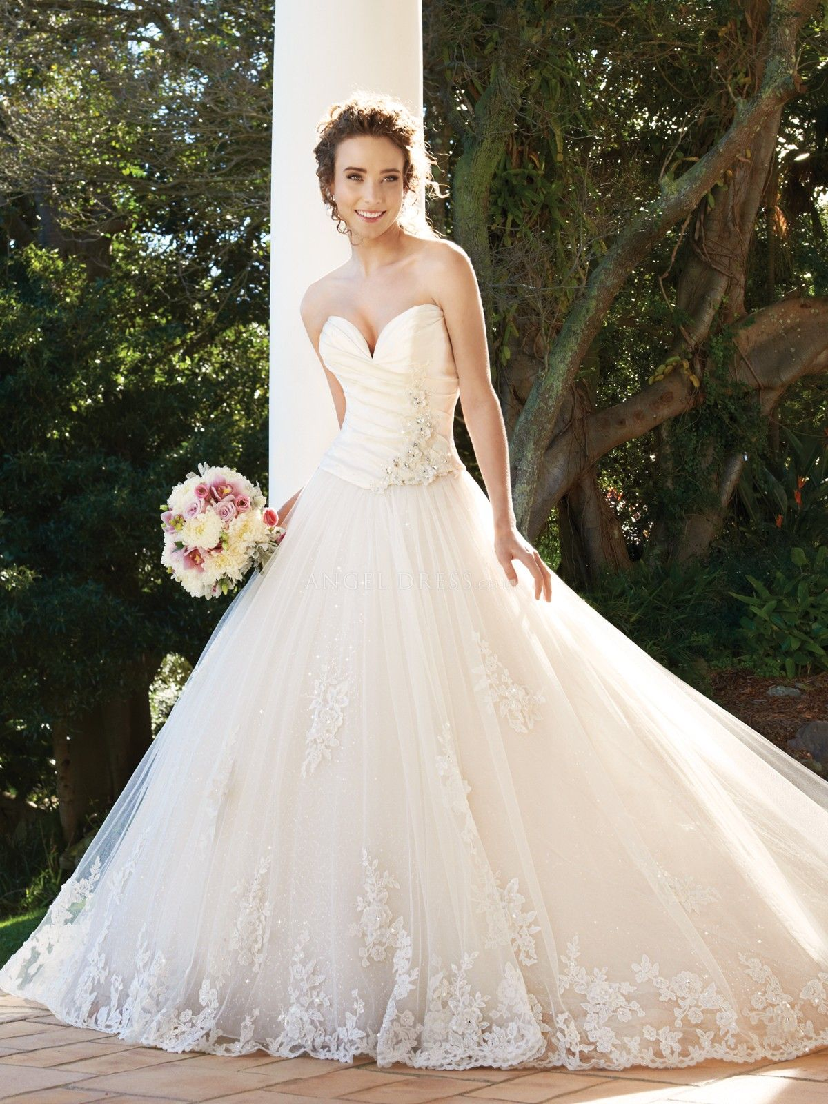 Ball Gown Sweetheart Floor Length Taffeta & Tulle Wedding Dress With Appliques
