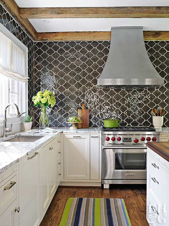 17 Kitchens With Scene Stealing Backsplashes Kitchen Design
