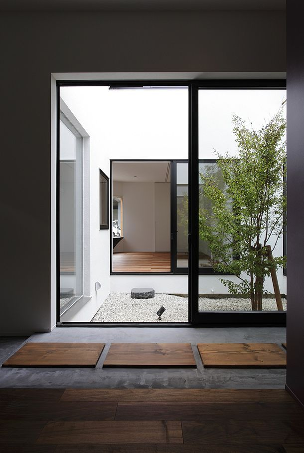 Cubo architect casa inspiraci n jardines interiores for Casa minimalista interior