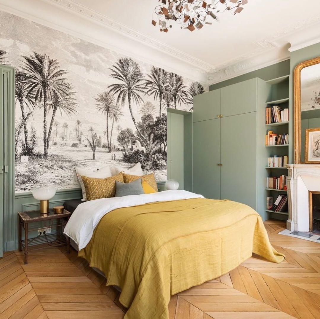 """Les Jolis Intérieurs on Instagram: """"Le stay in bed du lundi avec le désormais grand classique papier peint en tête de lit dont je suis fan ici joliment illustré par…"""""""