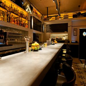Freddy Smalls Bar Kitchen A Westside Los Angeles Hotspot For Drinks And Bar Bites Features A Sophisticated Menu Crea Restaurant Decor Kitchen Bar Small Bars