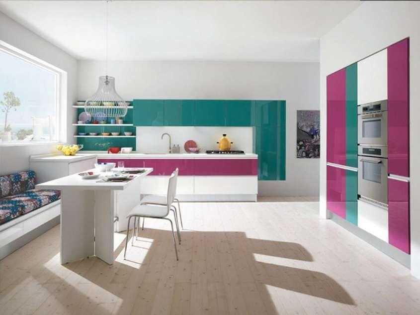 Abbinare il pavimento al rivestimento della cucina - Cucina colorata ...