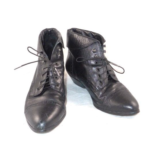 3a9e16b19230e0 Black leather victorian style lace-up booties   boots   short ...