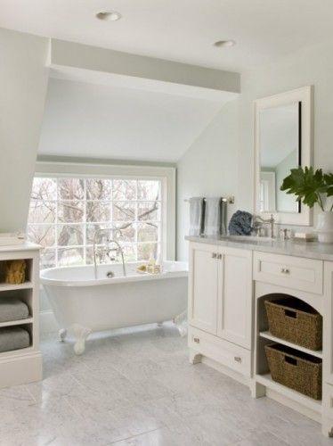 Farmhouse Bathrooms Pinterest Traditional bathroom, Tubs and
