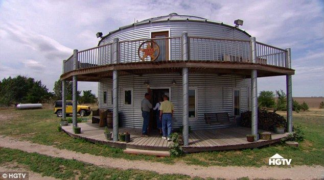 Couple Lives In Kansas Grain Bin Silo House Grain Silo