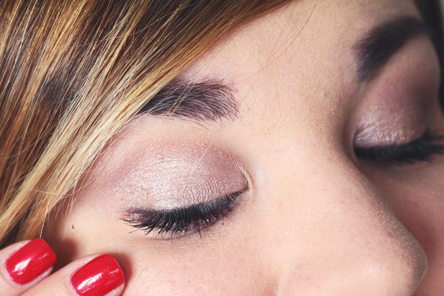 Blogpost by Quiaimeastuces Monday Tutorial - Look cinéma Tutoriel maquillage - Swatch