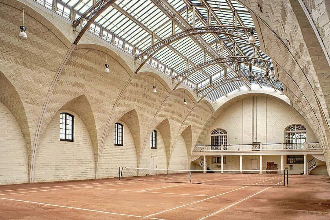 Court Envy Besides Being An Action Packed Sport Tennis Also Boasts Some Remarkable Courts This Casas Viagens Arquitetura