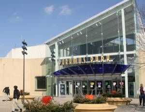 Westfield garden state plaza is one of two paramus malls to open from 6 p m to 11 p m for Garden state plaza mall paramus nj