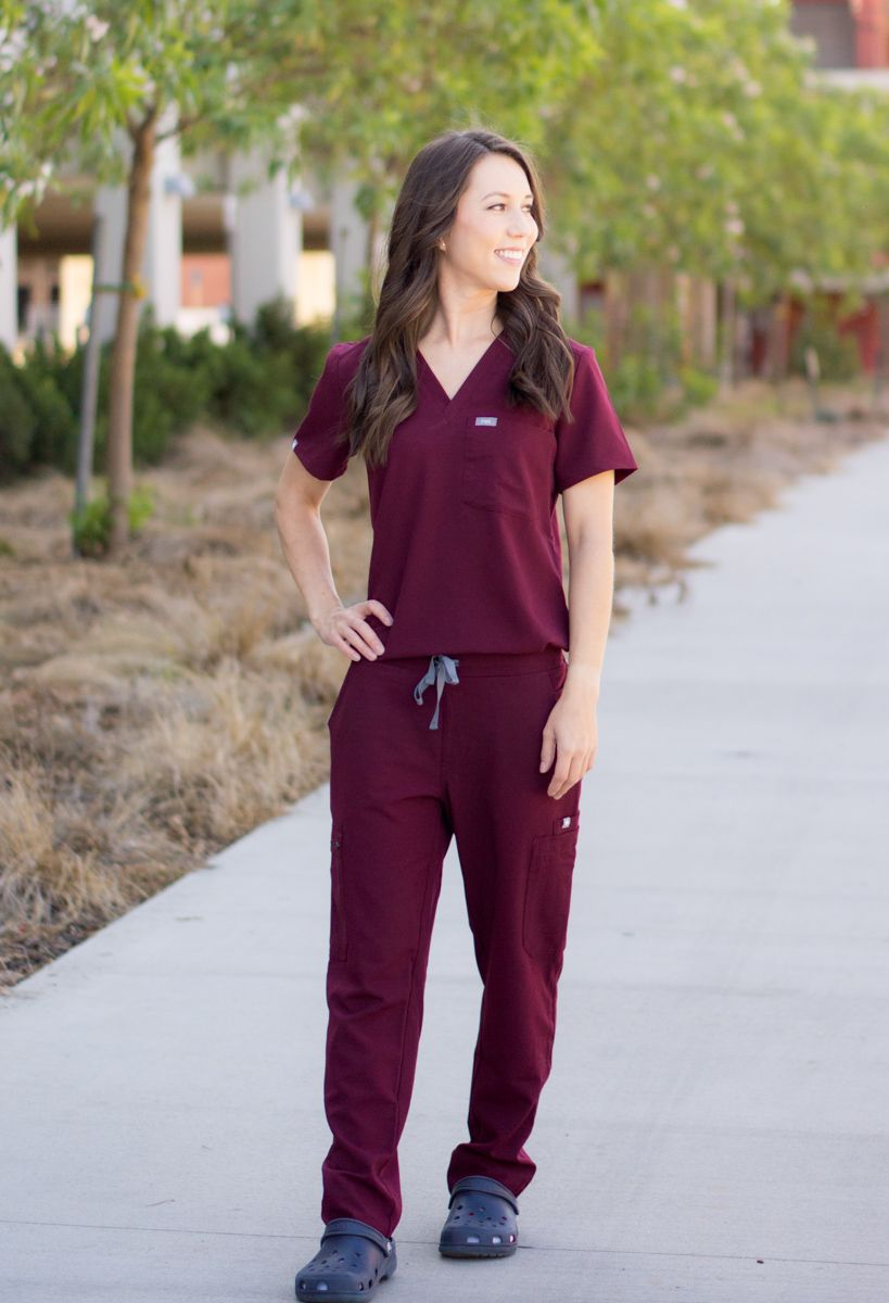 02accfbfdbc Honest FIGS Scrubs Review   Update on quality one-year later   Best scrubs