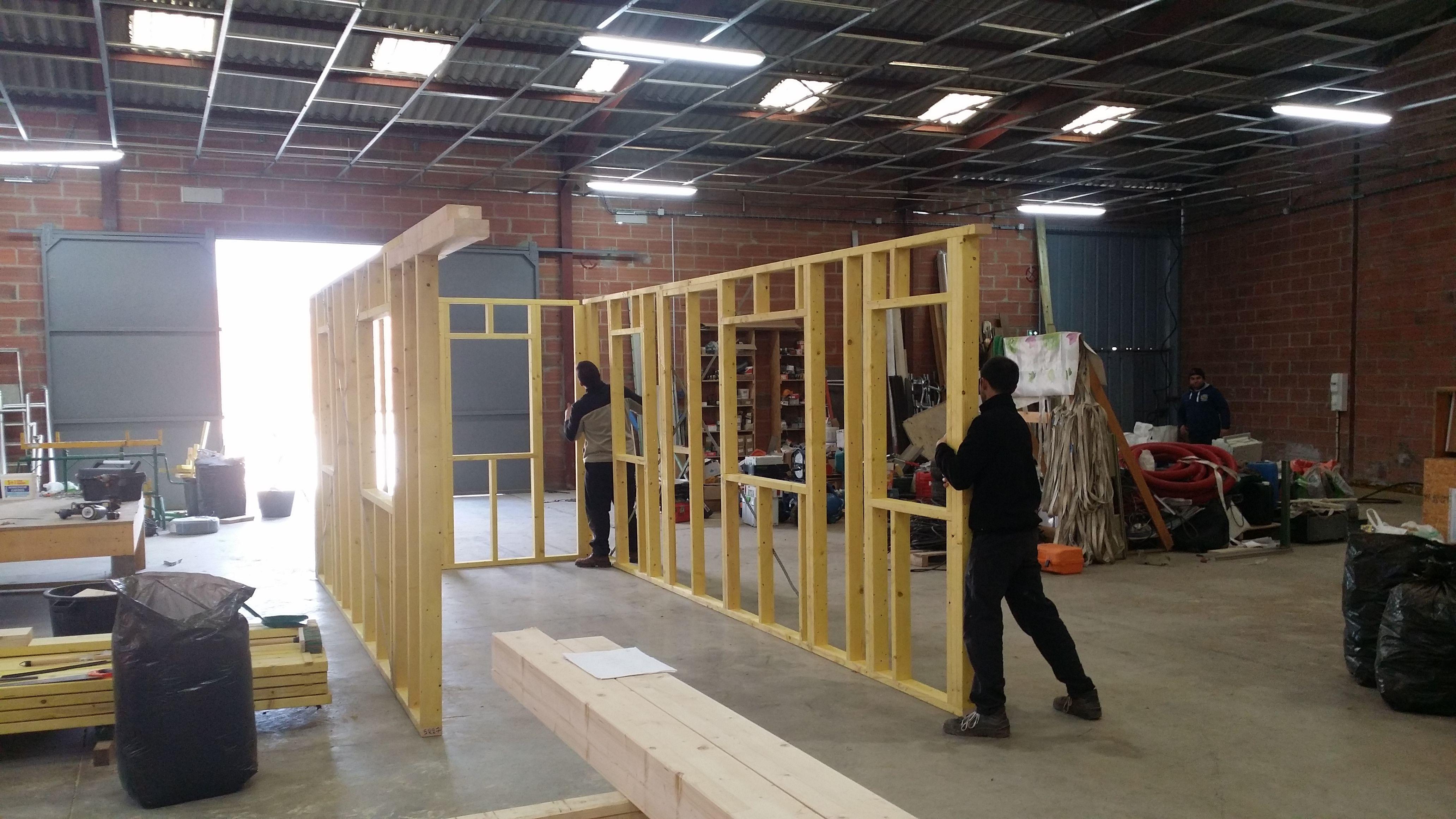 et voil d but de l 39 aventure assemblage de l 39 ossature bois de ma tiny house petite maison. Black Bedroom Furniture Sets. Home Design Ideas