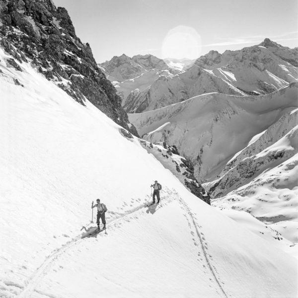 Blick in die Lechtaler Alpen | Leinwandbilder, Alpen und Schwarz weiß