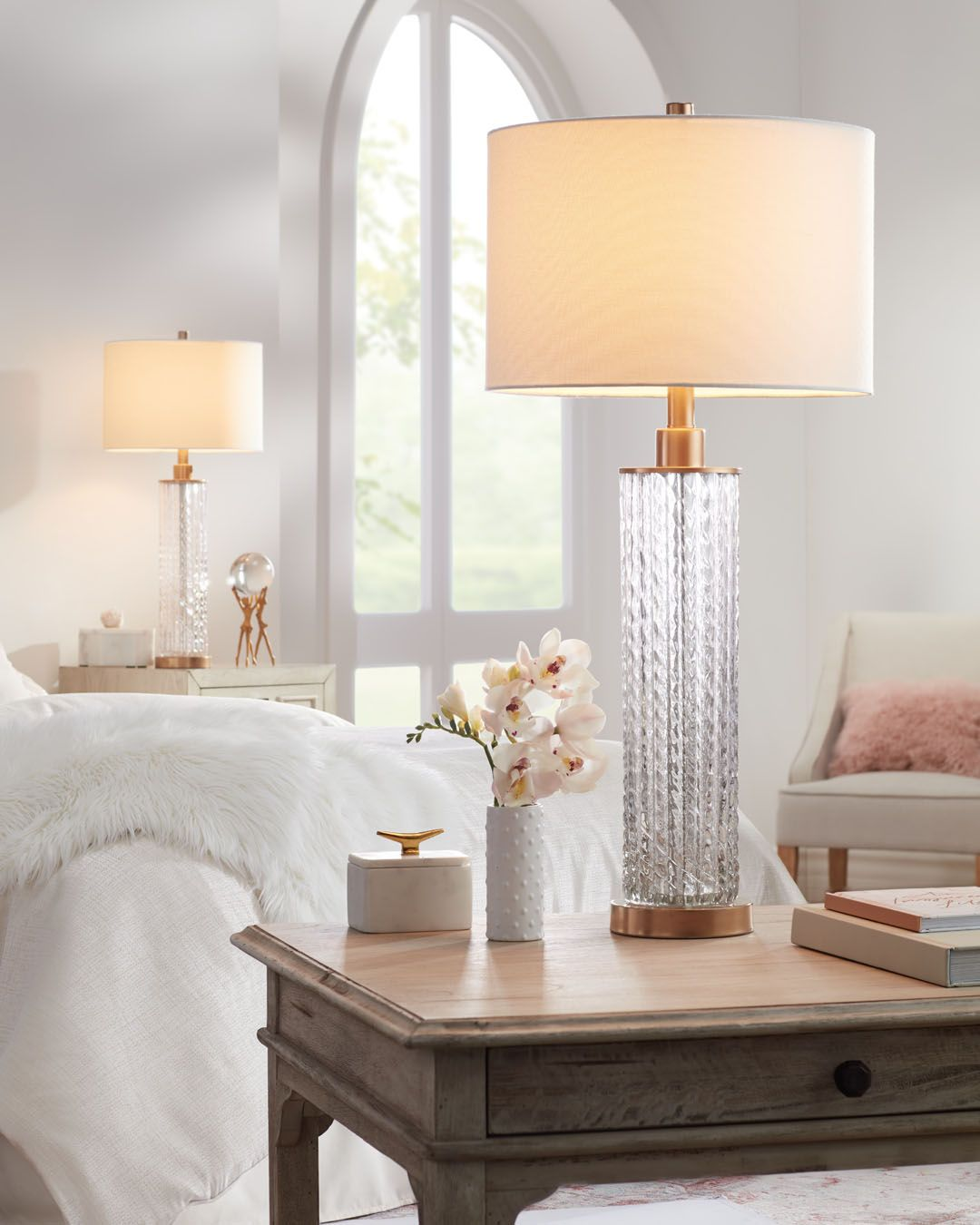 Transitional inspired table lamps.   #transitional #transitionalstyle #transitionaldecor #girlie #femininestyle #lighting #lamps #glam #home #homedecor #bedroom #bedroomdecor #livingroom #livingroomdecor #blush #gold #interiorinspiration #interiordesign