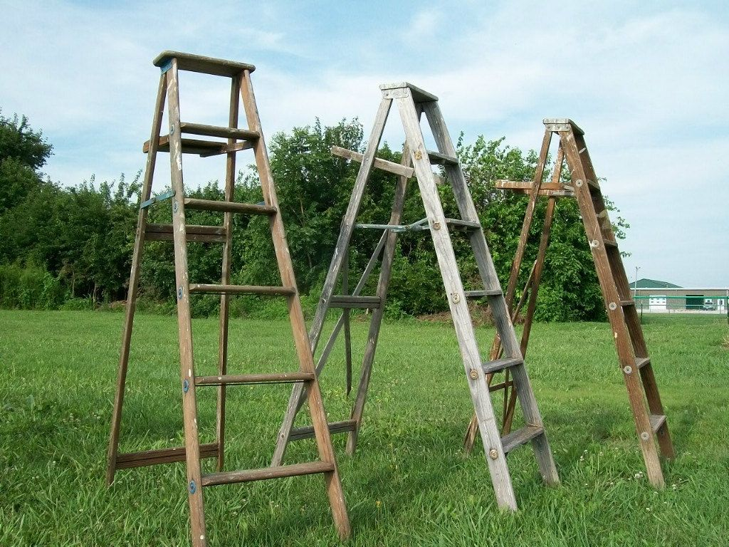 6 Steps Antique Wood Ladder Primitive Shelf 68 Tall Vintage Surface Or Country Color How To Antique Wood Wood Ladder Ladder