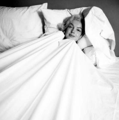 Marilyn Monroe Belle Photo Photo Noir Et Blanc Drap Blanc