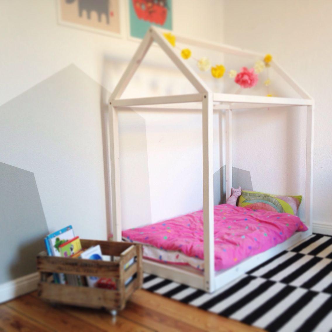 DIY. Kinderzimmer. Haus. Kinderbett. Holz. Kinder bett