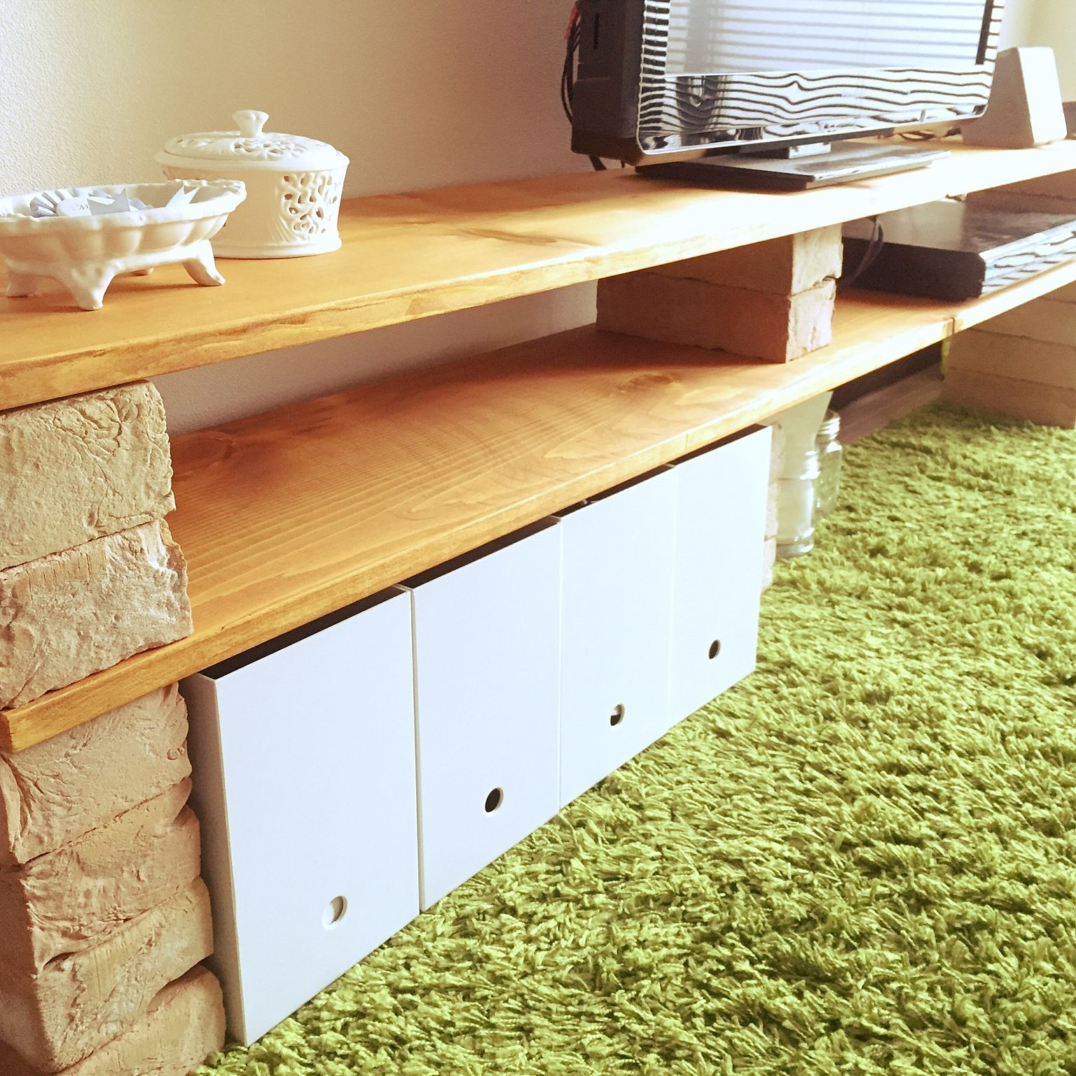 レンガと木材で作る おしゃれなテレビ台のdiyアイデア特集 Folk テレビ台 Diy おしゃれ テレビ台 Diy 自宅で