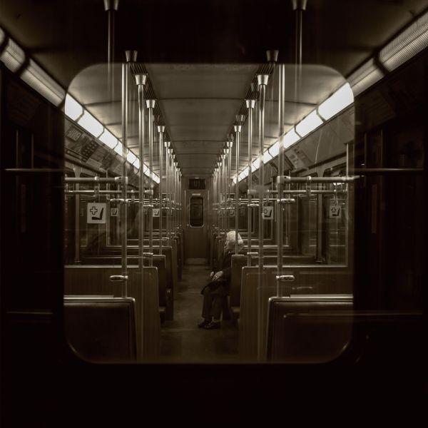 Munich subway - @ Klaus Lenzen #streetphotography
