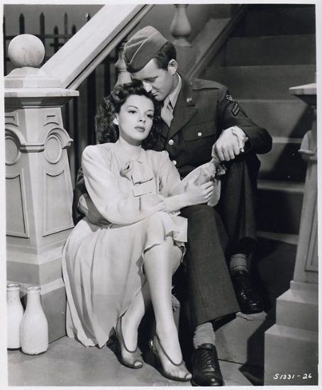 "Judy Garland and Robert Walker in ""The Clock"" (1945)"