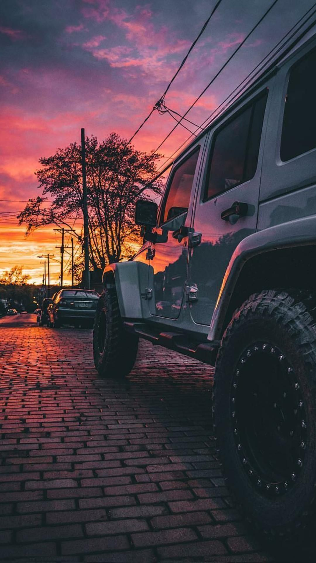 A Nice Sunrise With A Clean White Jeep Jeep Wallpaper Dream Cars Jeep Jeep Photos