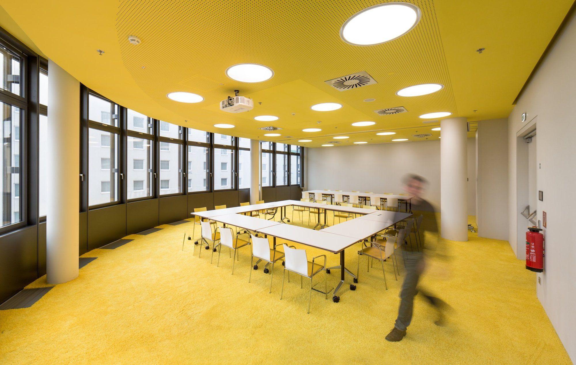Gallery of ÖBB Headquarter / Zechner & Zechner  - 36