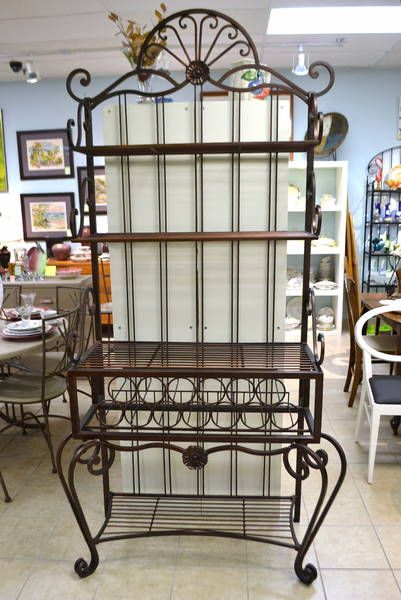 Cast Wrought Iron Baker S Rack With Cornice Features 4 Fixed