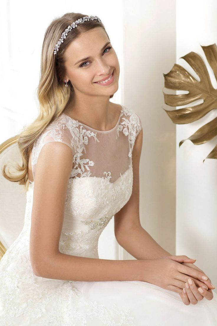 Lace wedding dress love weddings pinterest lace wedding pronovias wedding dresses style leonde for sale in waterford city waterford from schmiggles ombrellifo Image collections