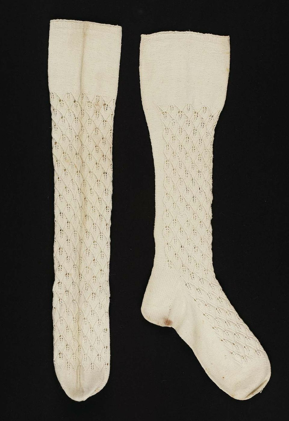 Early 19th century, America - Cotton knitted stockings