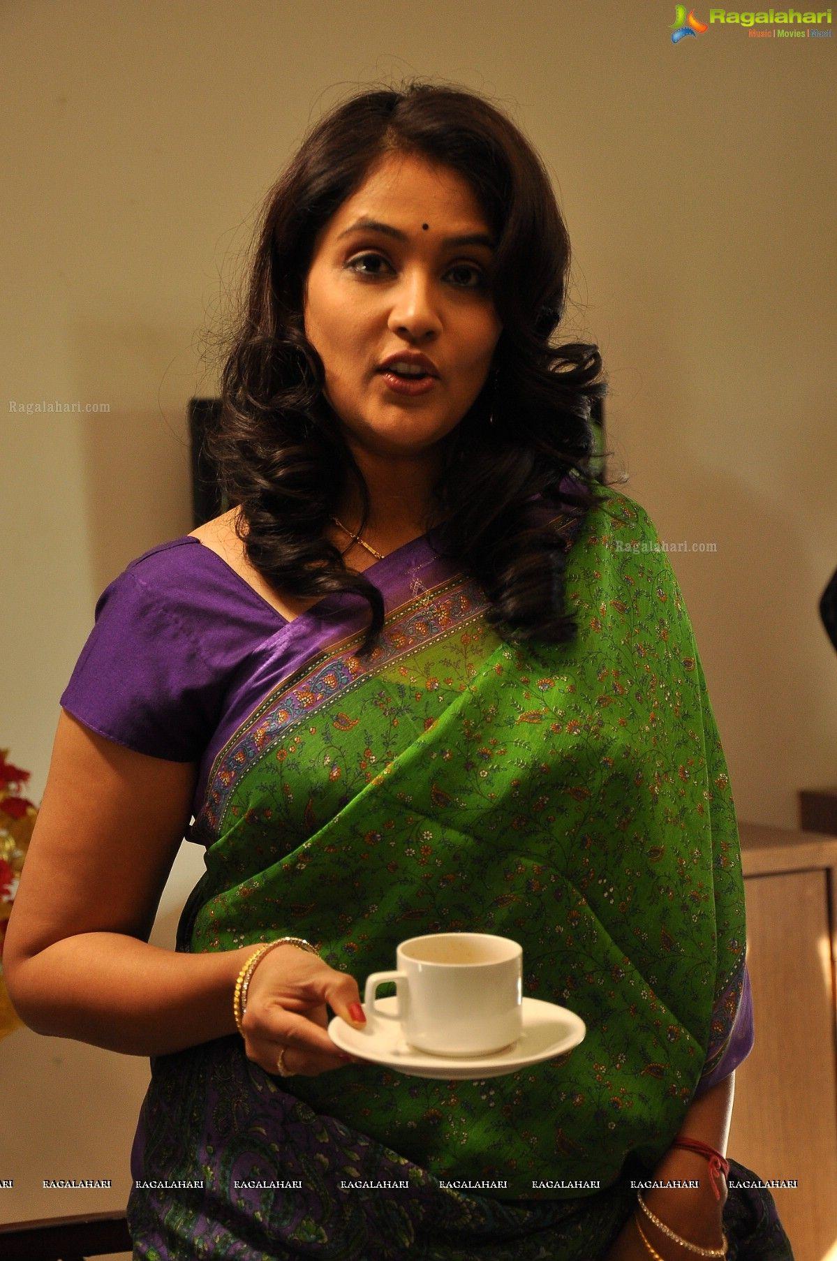 Gayatri Bhargavi Image 7 Tollywood Actress Photos Telugu Actress Photos Stills Tollywood Photoshoot Actresses Actress Pics Actress Photos