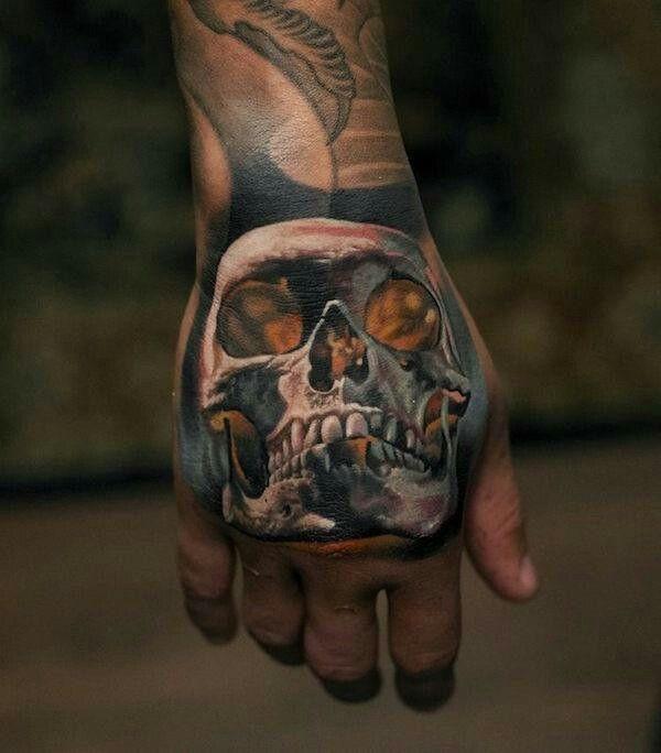Calavera En La Mano Skull Hand Tattoo Hand Tattoos For Guys Hand Tattoos