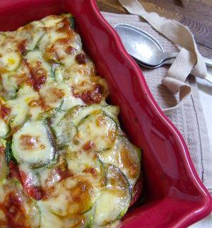 Rosenoisettes, Calme et Gourmandises...: Gratin de courgettes et tomates à la tartinade de tomates séchées aux cèpes et comté {Battle Food #24}