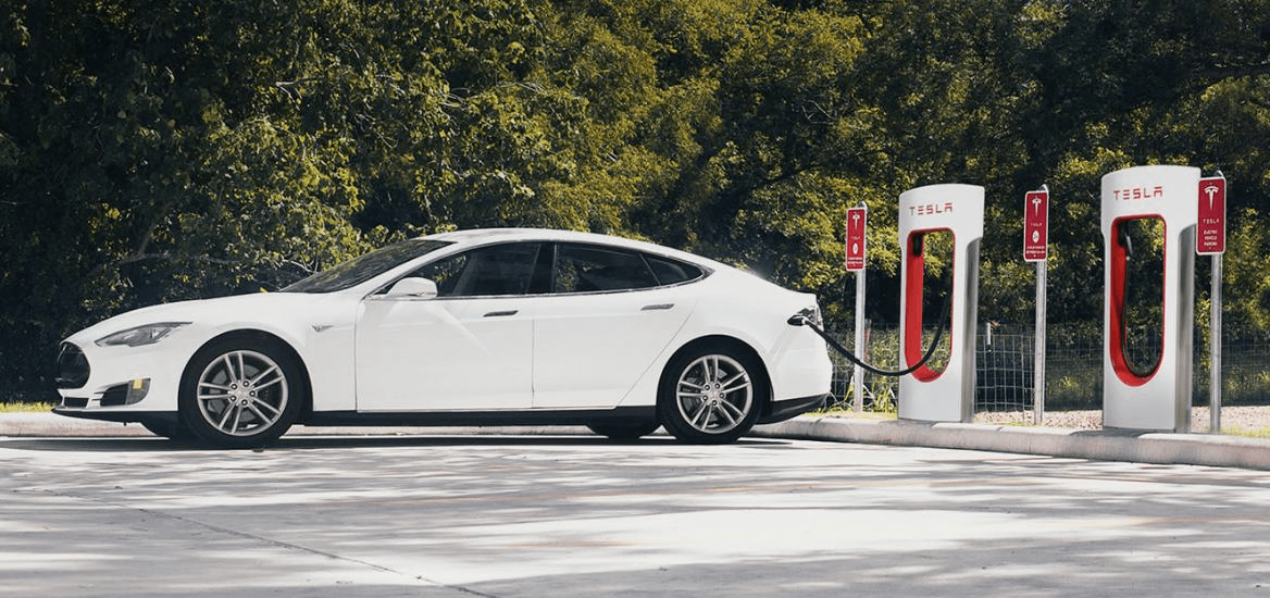 No More Free Ride Tesla Will Charge For Supercharging On New Cars Tesla Electric Vehicle Charging Station Electric Car Charging