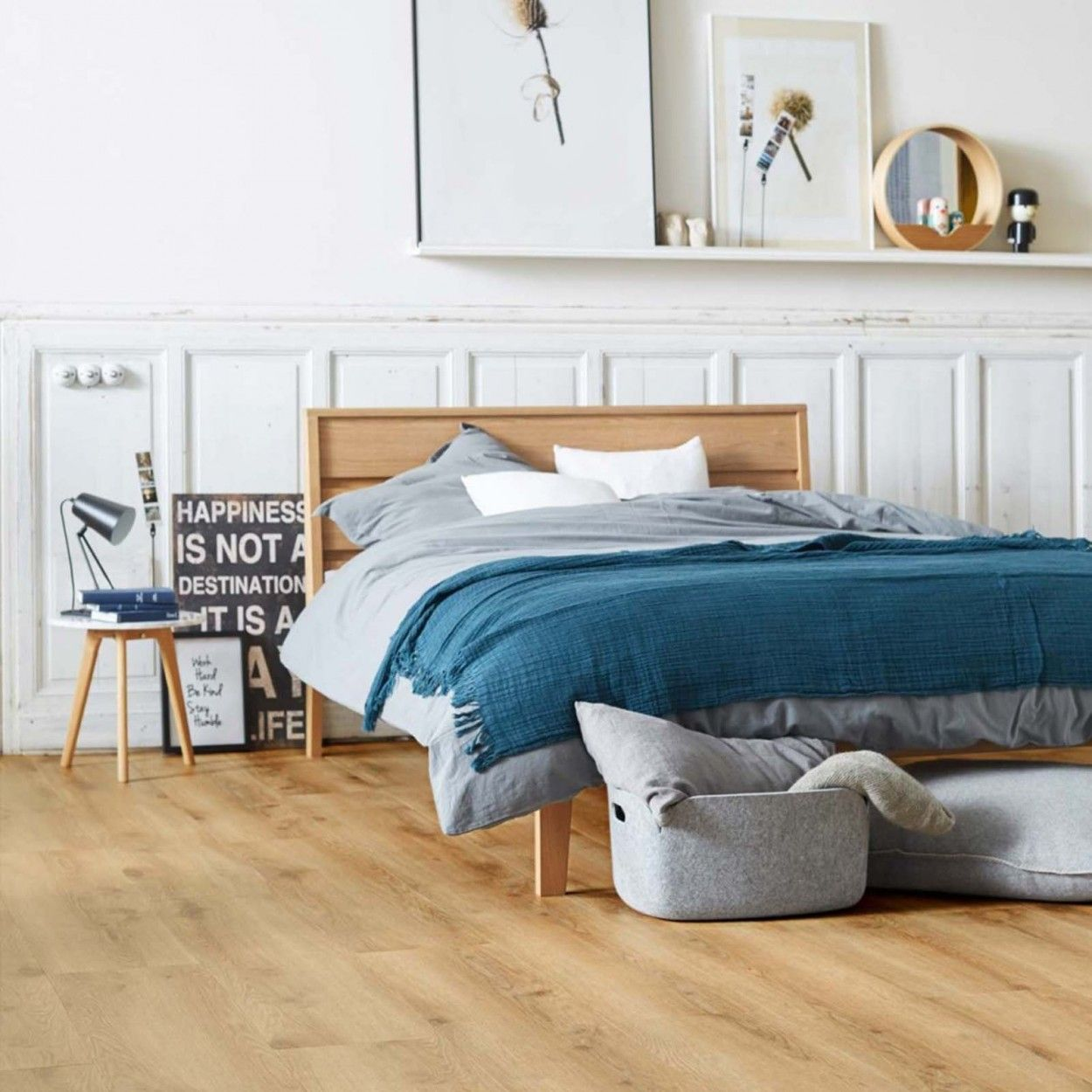 Decorating The Kids Room How To Choose The Right Floor Bricoflor Uk Blog In 2020 Luxury Vinyl Click Flooring Interior Design Bedroom Flooring