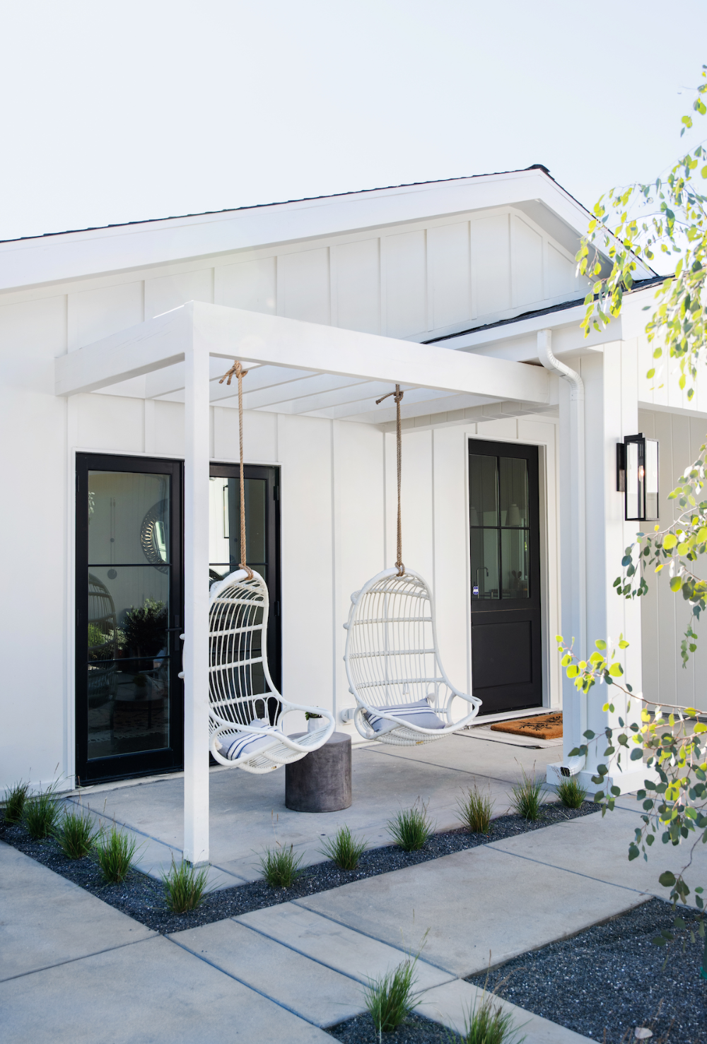 A Scandinavian Modern Home In La Rue House Exterior Modern House Exterior Porch Design