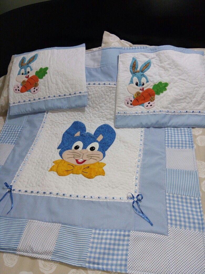 Manta para bebé y almohaditas | tendidos de cama en patchwork ...
