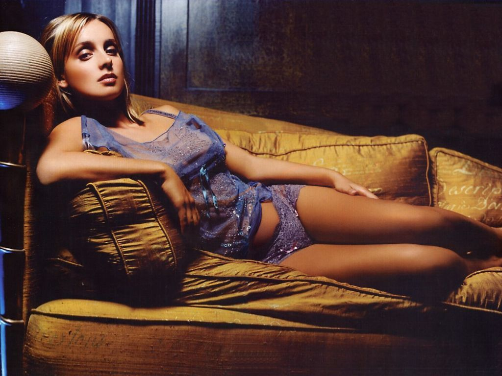 Hot Louise Redknapp naked (52 pics), Pussy