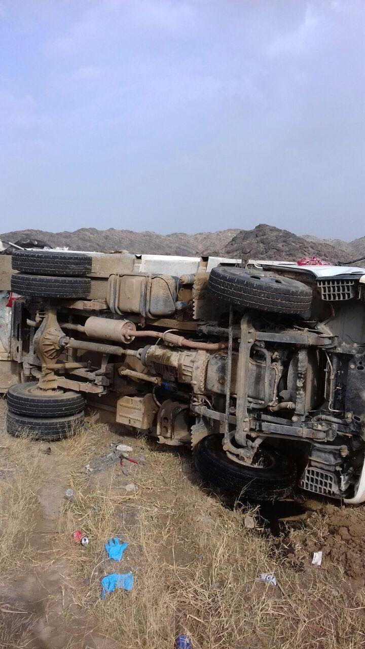 وفاة عامل وإصابة اثنين آخرين في انقلاب سيارة بالباحة Military Vehicles Military Site