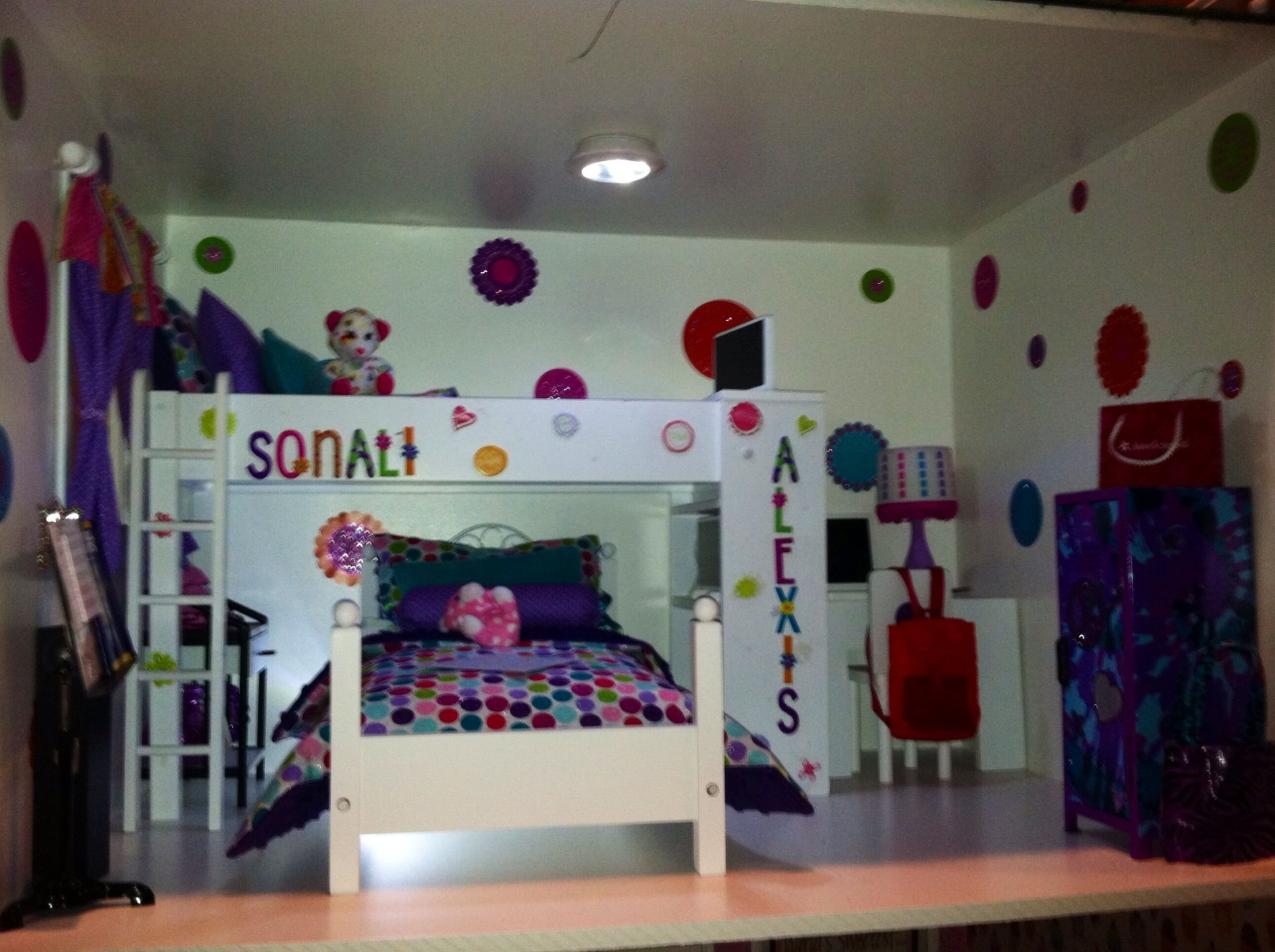 Sonali and Alexis s bedroom  Loft bed from Toys r Us Journey Girl  Lower. Journey Girl Bunk Bed Set And Bedroom Ideas   Bunk Bed   Pinterest
