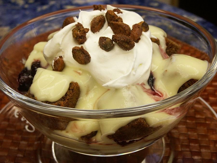 Gingerbread Trifle: Café Maxx