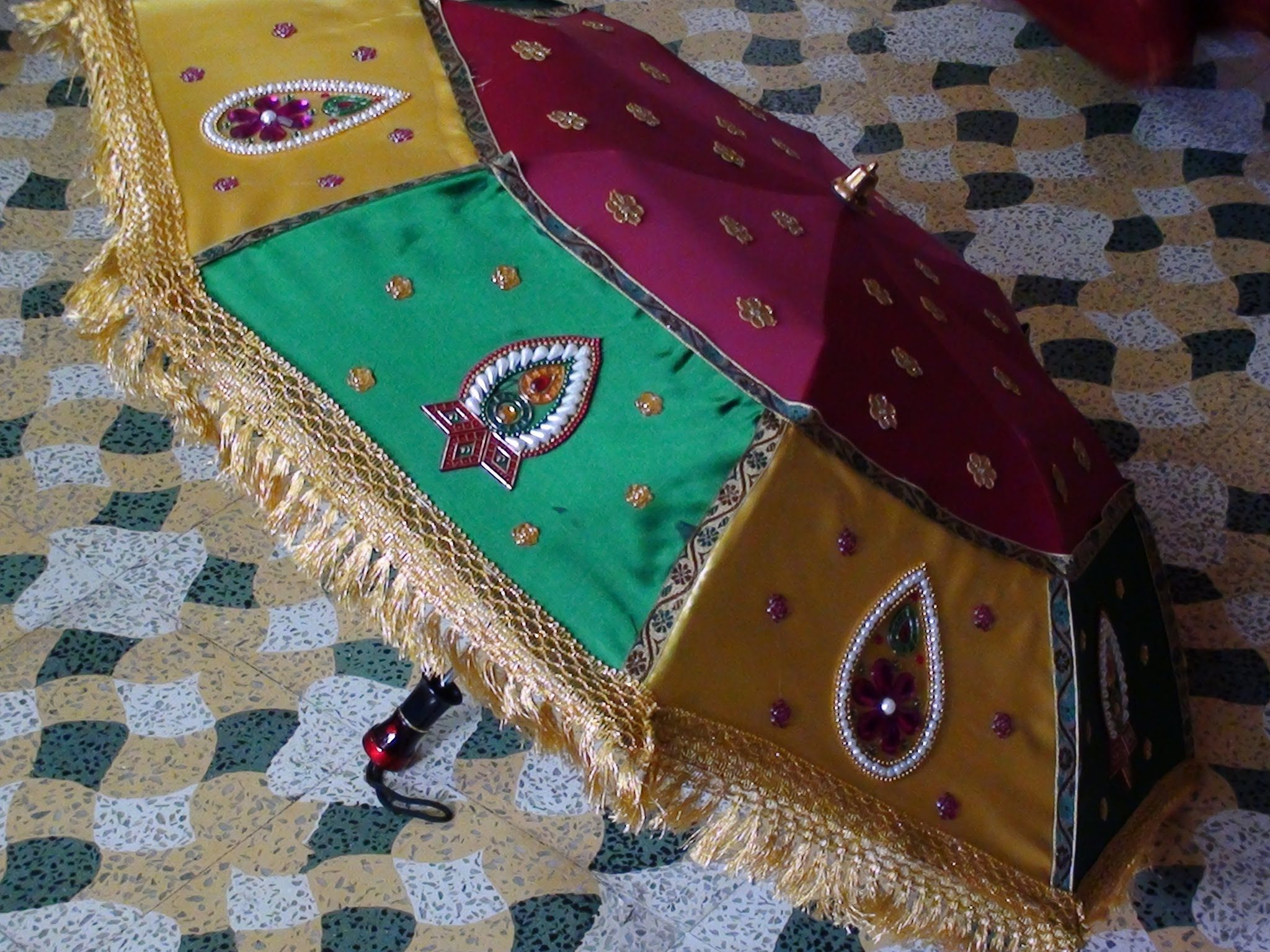 How to decorate an umbrella for Indian Weddings Umbrella